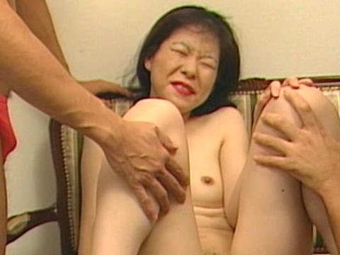 近所の奥さんと…!?しいな 無修正画像02