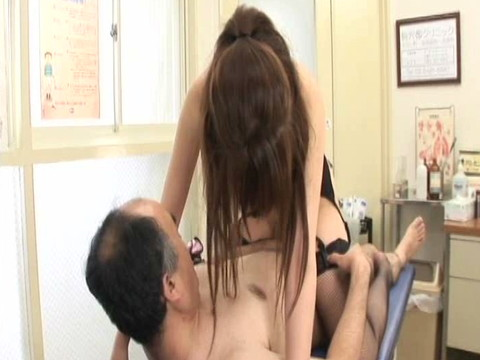 淫乱女医とナースのインポ強制治療中出しクリニック その2 無修正画像04