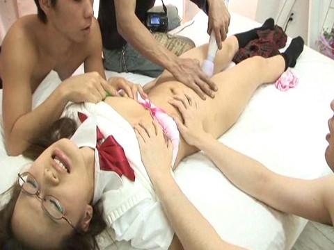 ロリ姫のアナルを責めまくって二穴セックス Vol.2 無修正画像04