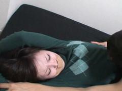 女性だけの遅番があるレンタルビデオ店で隠しカメラに映った衝撃のレイプ映像集 Vol.8